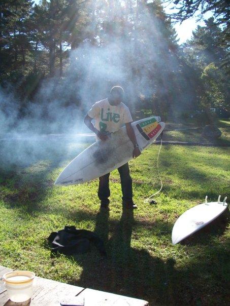 UC Santa Cruz student wears Inpeloto\'s Live Peace Peace Lives