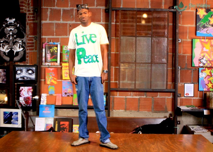 Model Baryon in Inpeloto\'s Live Peace Peace Lives tshirt