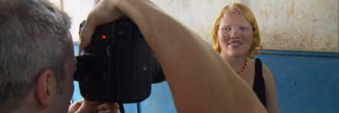 Screenshot-Rick photographing Jayne